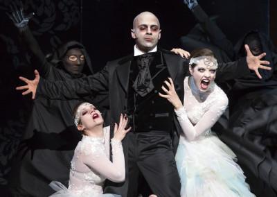 Dracula als Vampirin / Musikalische Komödie