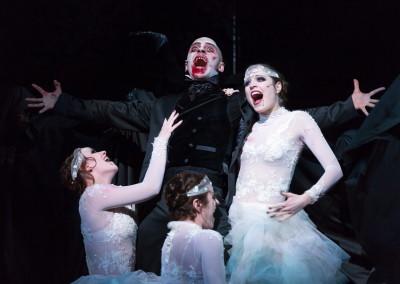 Dracula als Vampirin / Musikalische Komödie Leipzig; Foto: Tom Schulze
